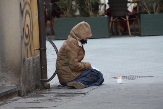 Povertà.... - Pisa (1221 clic)