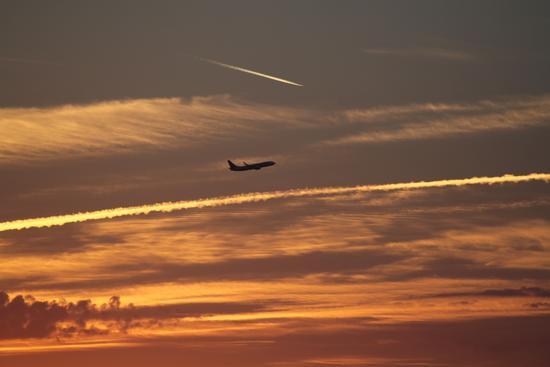 Il Tramonto con aereo - Cascina (2762 clic)