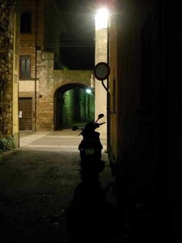 Vicoli di Cascina nella notte (846 clic)