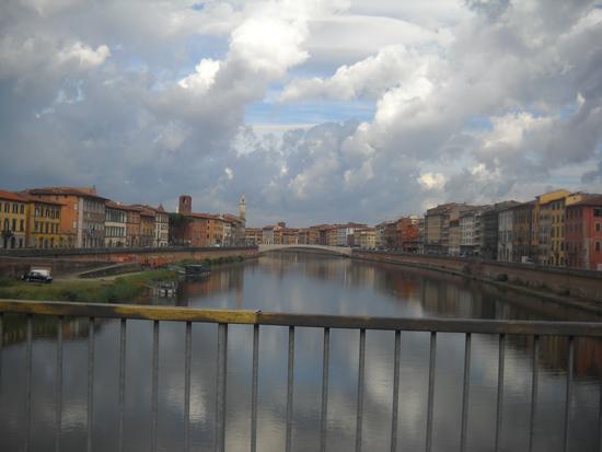 Pisa e l'Arno. (1471 clic)