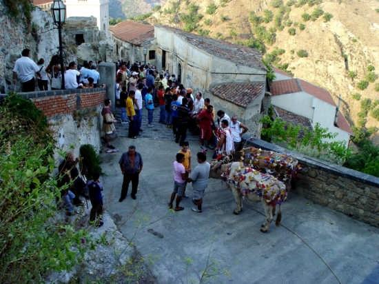 Panoramica di Savoca in festa 2 (3614 clic)