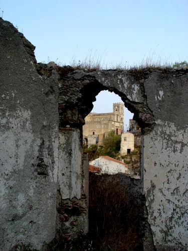Antiche mura... - Savoca (3564 clic)