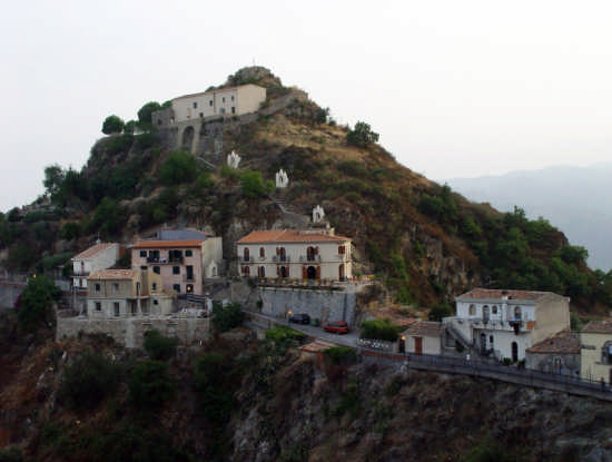La Via Crucis - Savoca (3416 clic)