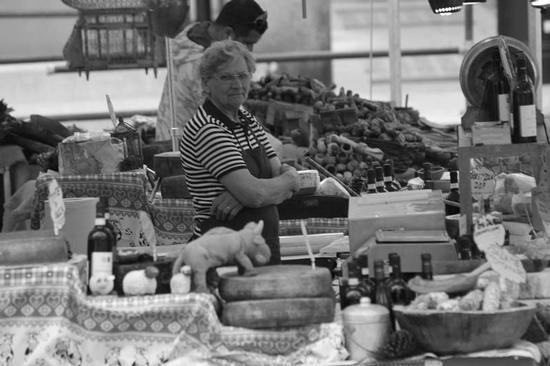 Bancarella - BRESCIA - inserita il 29-Aug-12