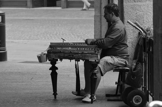 Artista di strada - Brescia (1101 clic)
