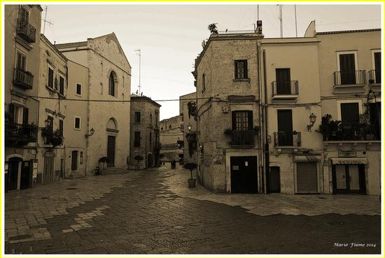 BARI Largo Cattedrale (888 clic)