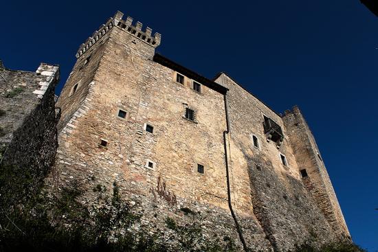 parte est del castello di Collalto Sabino (2073 clic)