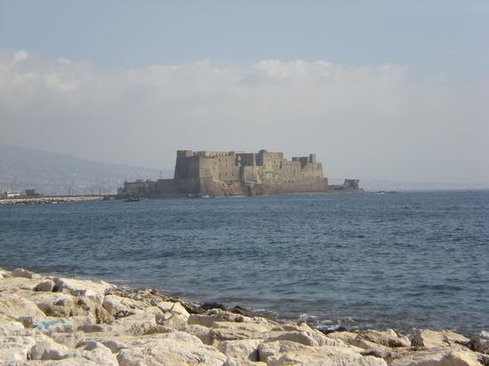 Castel dell'Ovo - NAPOLI - inserita il 24-Sep-12