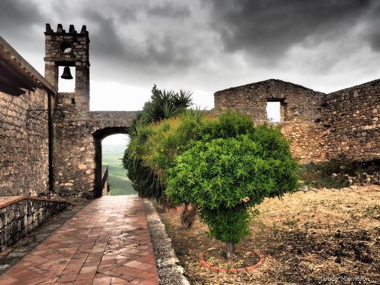 Il piccolo campanile - Villalba (1008 clic)