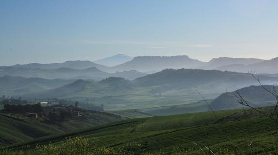 Foschia con veduta Etna - Caltanissetta (2283 clic)