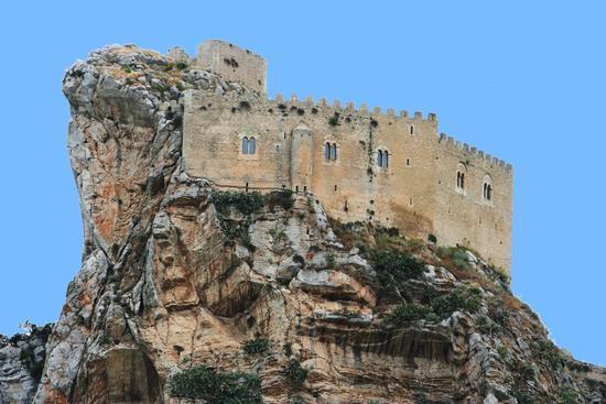 Mussomeli (CL) Castello Chiaramonte (4243 clic)