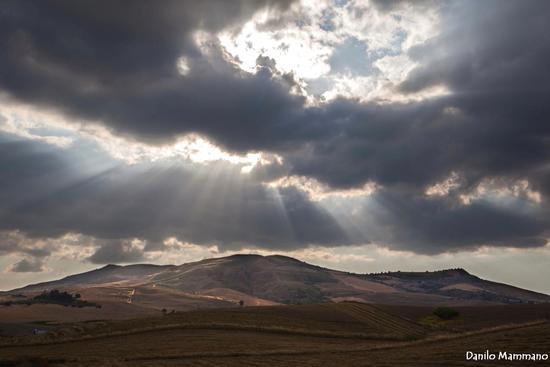 Raggi di luce - San cataldo (546 clic)