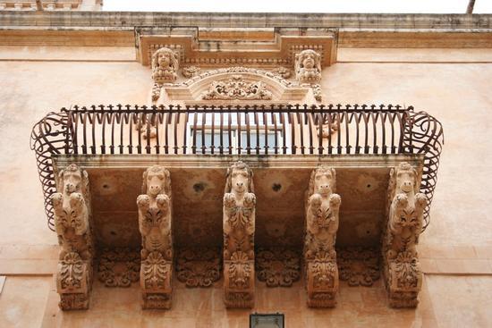 Balcone in stile Barocco - Noto (1559 clic)