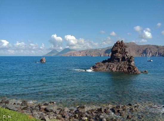 vulcano con vista Lipari, Filicudi ,Alicudi (624 clic)