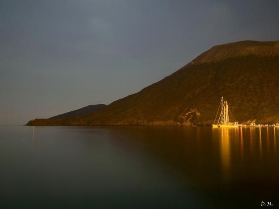 Isola di Vulcano in notturna (723 clic)