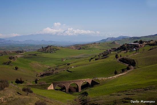 Il ponte e L' Etna - Caltagirone (697 clic)