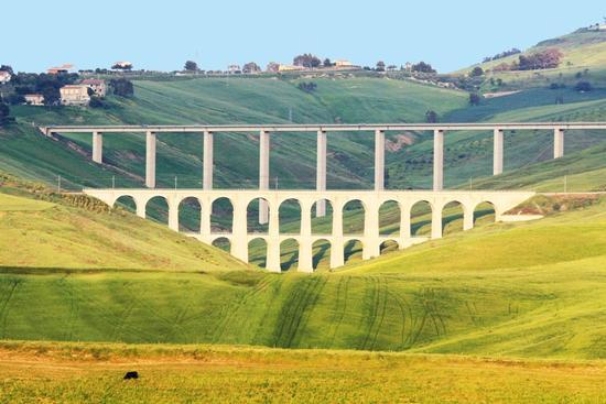 I due ponti (CALTANISSETTA) (2301 clic)
