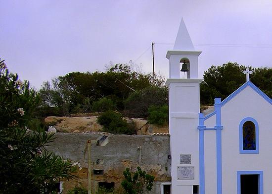 Santuario della Madonna di Porto Salvo - Lampedusa (2714 clic)