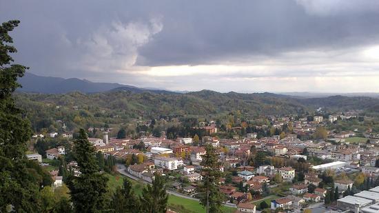 Panoramica su Tarcento, la perla del Friuli (3019 clic)