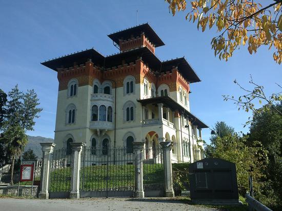 Villa Moretti autunnale - Tarcento (2239 clic)