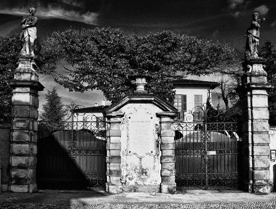 Doppio cancello  - Montevecchia (2710 clic)