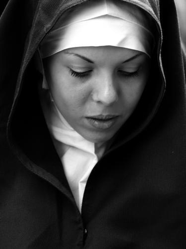 Trapani:la processione del Venerdi' Santo.PIA DEVOTA (2733 clic)