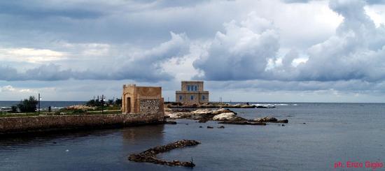 Trapani:Villa Nasi e chiesetta (2057 clic)