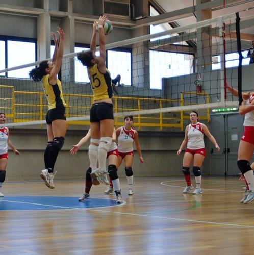 ....THE WALL.....   torretta volley livorno - Portoferraio (1149 clic)