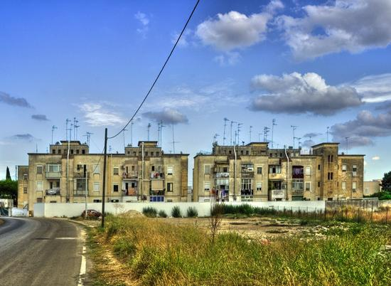 lato B - Lecce (1102 clic)