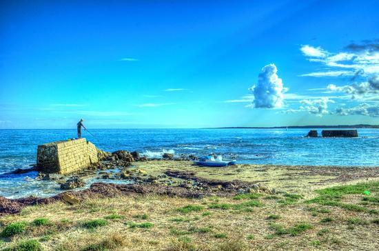 Il pescatore solitario - San cataldo (781 clic)