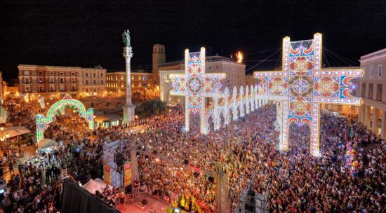 Lecce - Piazza S.Oronzo (861 clic)