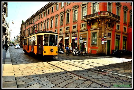 la storia continua - Milano (956 clic)