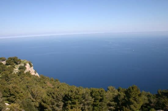 Uno scorcio di mare da M.te Pellegrino (PA) - Palermo (3993 clic)