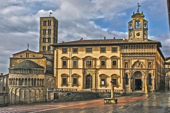 Piazza grande - Arezzo (911 clic)