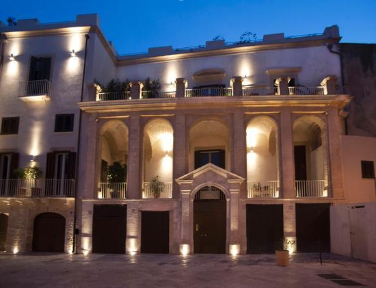 Palazzo Calò Carducci - Bari (732 clic)