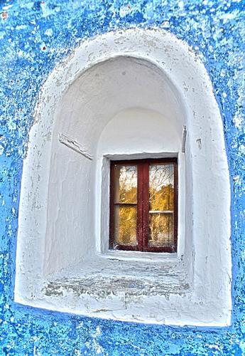 La finestra del trullo - LAURETO - inserita il 02-Jan-15