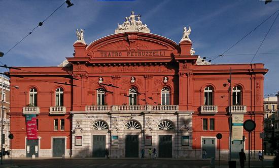 Teatro petruzzelli - Bari (776 clic)