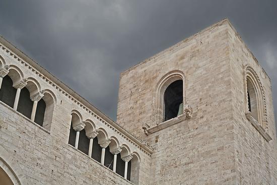 il campanile della basilica - Bari (2327 clic)