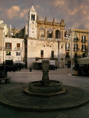 Bari piazza mercantile (872 clic)