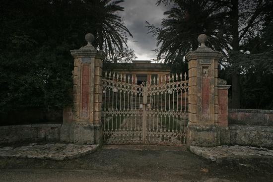 Il cancello - Castellana grotte (682 clic)