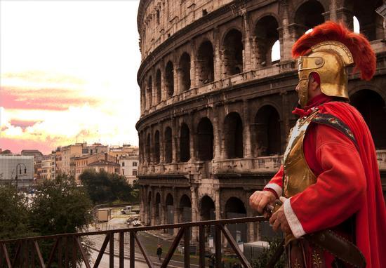 A Gladiator in Colosseum - Roma (721 clic)