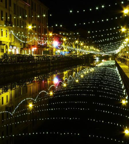 Tunnel di stelle - Milano (3419 clic)
