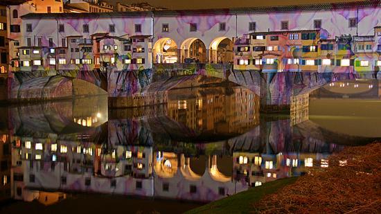 Ponte Vecchio illuminato e riflesso - Firenze (445 clic)