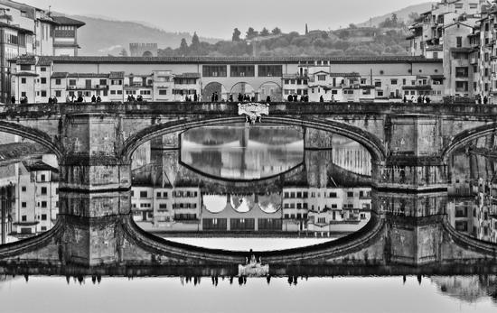Ponti fiorentini raddoppiati dall'Arno - Firenze (2957 clic)