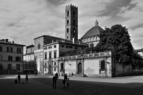 Piazza del Duomo - Lucca (1639 clic)