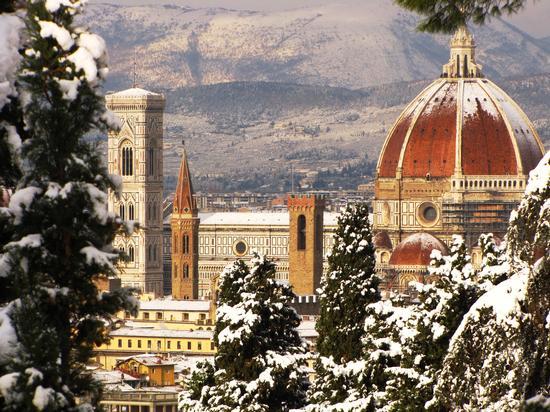 Monumenti fiorentini innevati - Firenze (3958 clic)