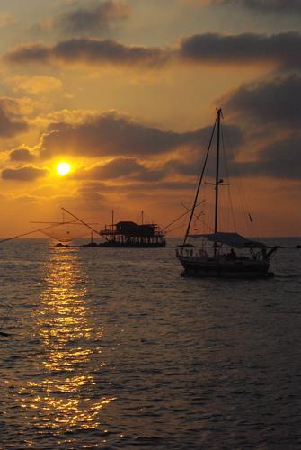 tramonto  - Marina di pisa (1280 clic)