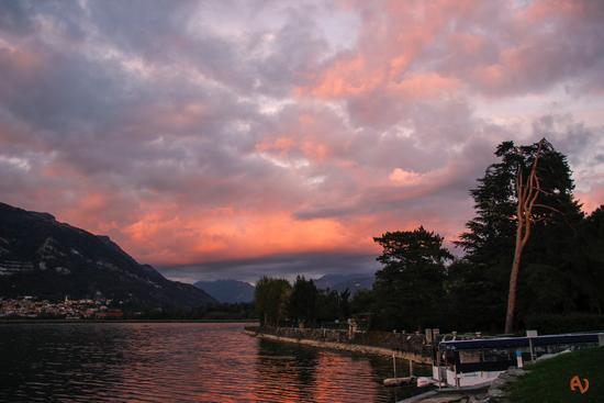 rosso al tramonto - Bosisio parini (624 clic)