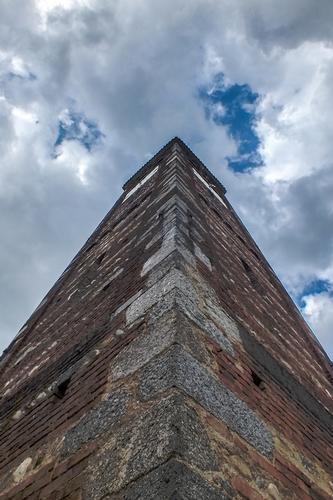 LO SPIGOLO SUD OVEST DEL CAMPANILE - Carate brianza (899 clic)
