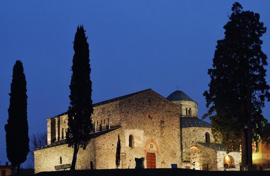 SAN VINCENZO DI GALLIANO - Cantù (1128 clic)
